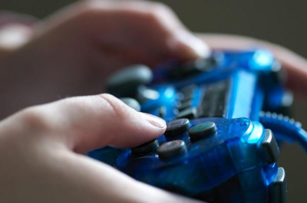 5 Surprisingly AWESOME health benefits of playing video games
